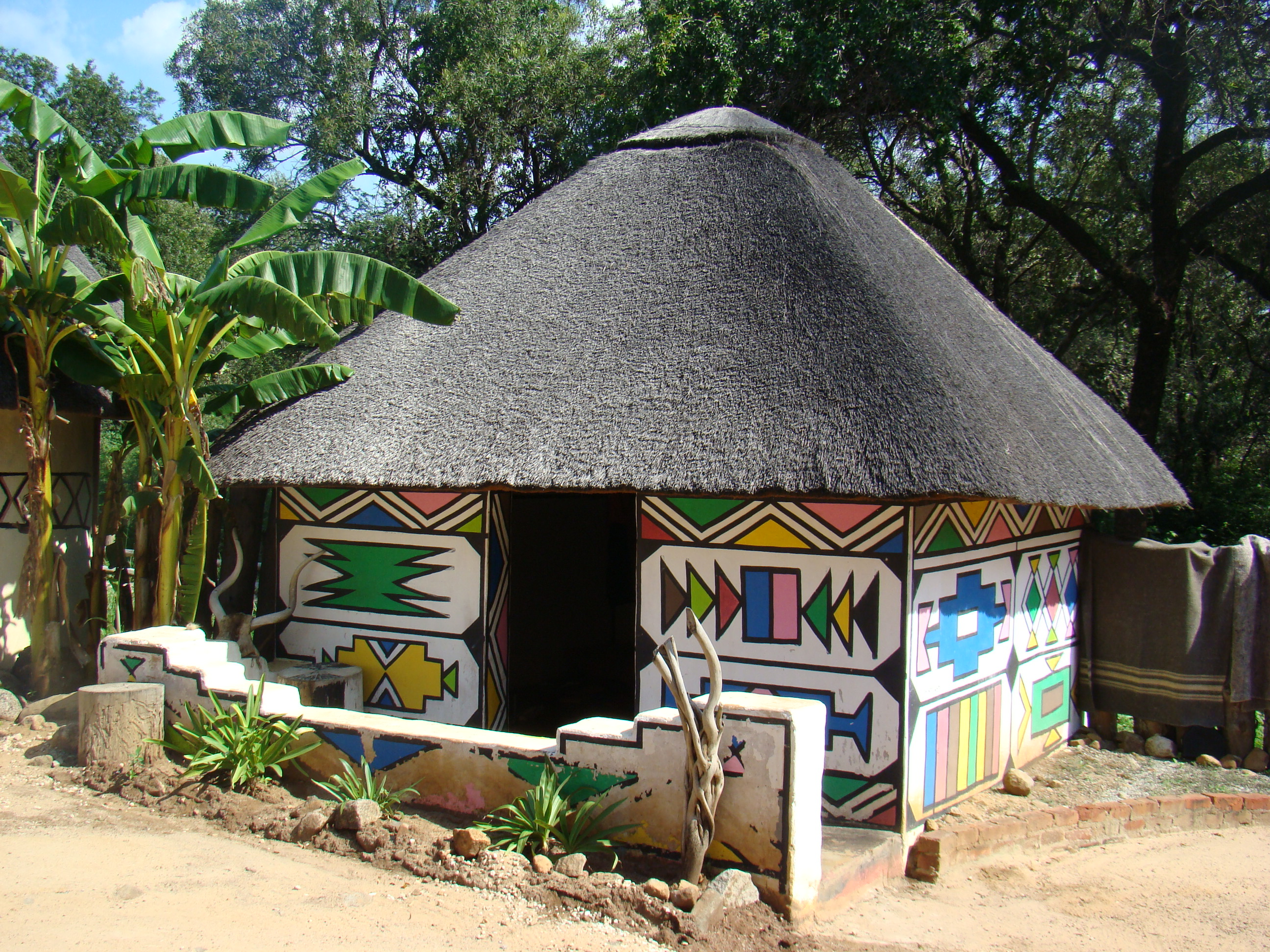 how to build a traditional xhosa hut